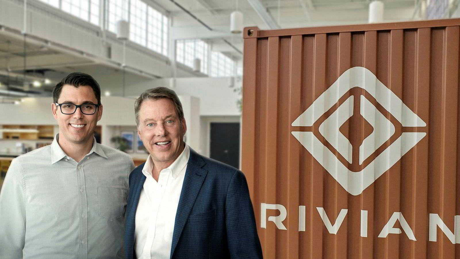 Fra venstre RJ Scaringe, som er grunnlegger og sjef for Rivian sammen med Bill Ford i Ford.