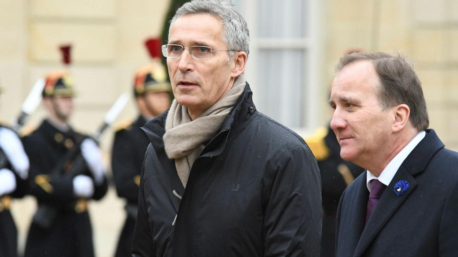 Natos generalsekretær Jens Stoltenberg og Sveriges fungerende statsminister Stefan Löfven ankommer til Élyséepalasset for å spise lunsj med andre ledere i forbindelse med hundreårsdagen for våpenhvilen som satte sluttstrek for første verdenskrig.