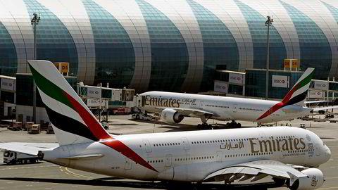 En A380 takser inn til standplass ved hjemme-lufthavnen i Dubai i De forente arabiske emirater (UAE).