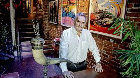 Bergenseren Reidar Osen er en kjent eiendomsinvestor og kunsthandler. Her er han avbildet i Galleri Nygaten, som han selv driver.