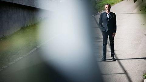 VARSLER. Hans Christian Pretorius i Norsk Sikkerhetsmyndighet har sendt ut omtrent 300 varsler om dataangrep til bedrifter i oljebransjen. Foto: Thomas Haugersveen