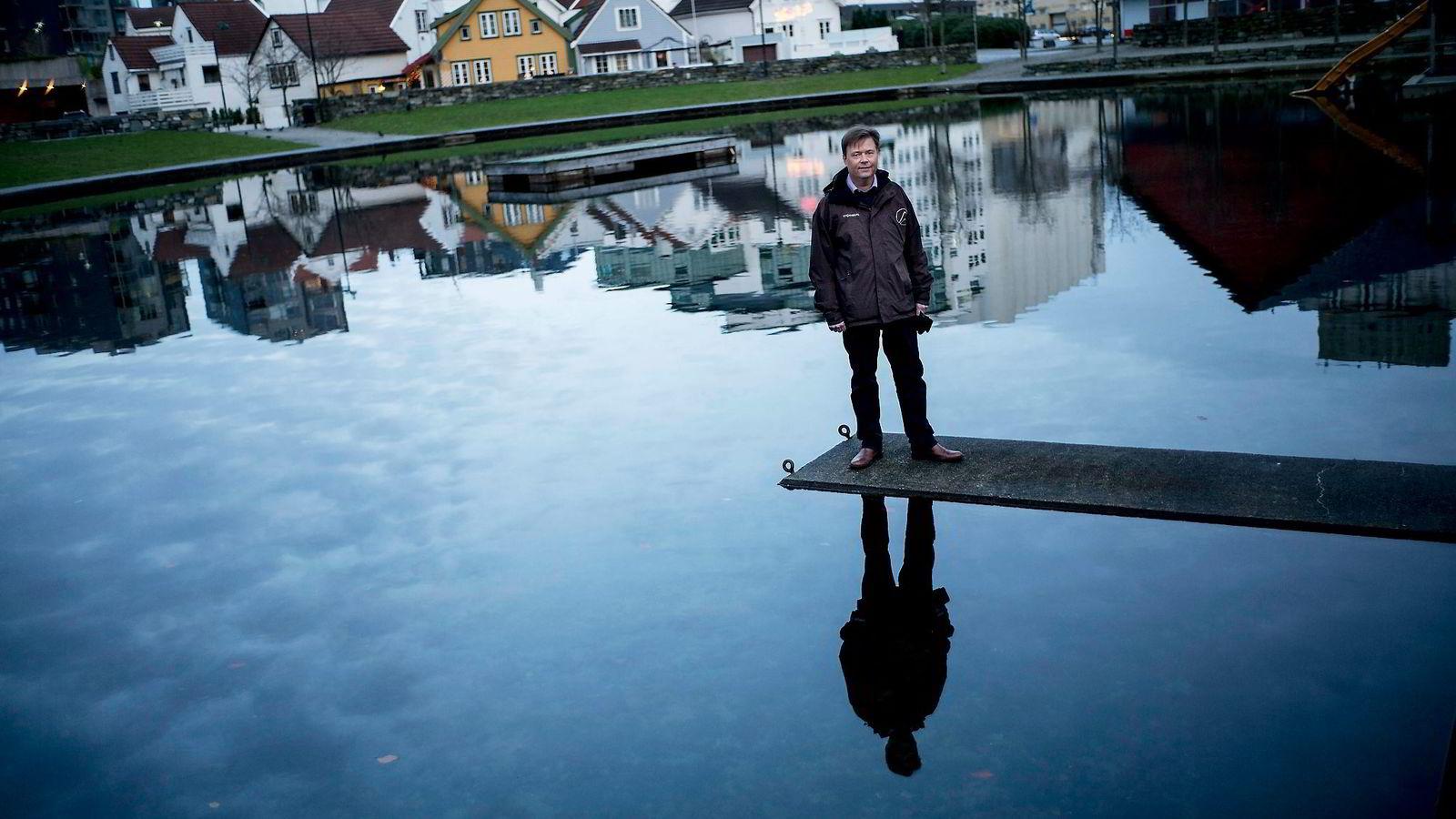 – Som senior er jeg ikke like attraktiv på arbeidsmarkedet. Jeg er derfor innstilt på at jeg må klare meg på egen hånd, sier arbeidsledige Geir Ove Nesvik (53). Foto:
