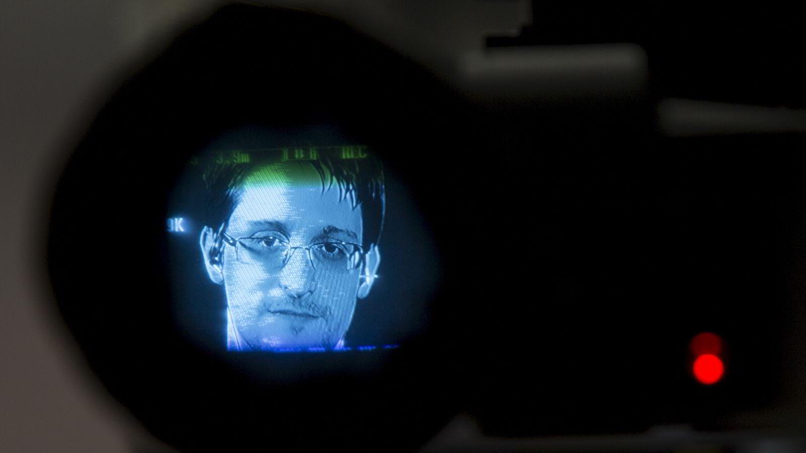 Edwards Snowden, som befinner seg i eksil i Russland, gleder seg over EU-domstolens kjennelse. Her avbildet i forbindelse med videolink-intervju fra Moskva tidligere. Foto: Andrew Kelly/Reuters/NTB Scanpix.