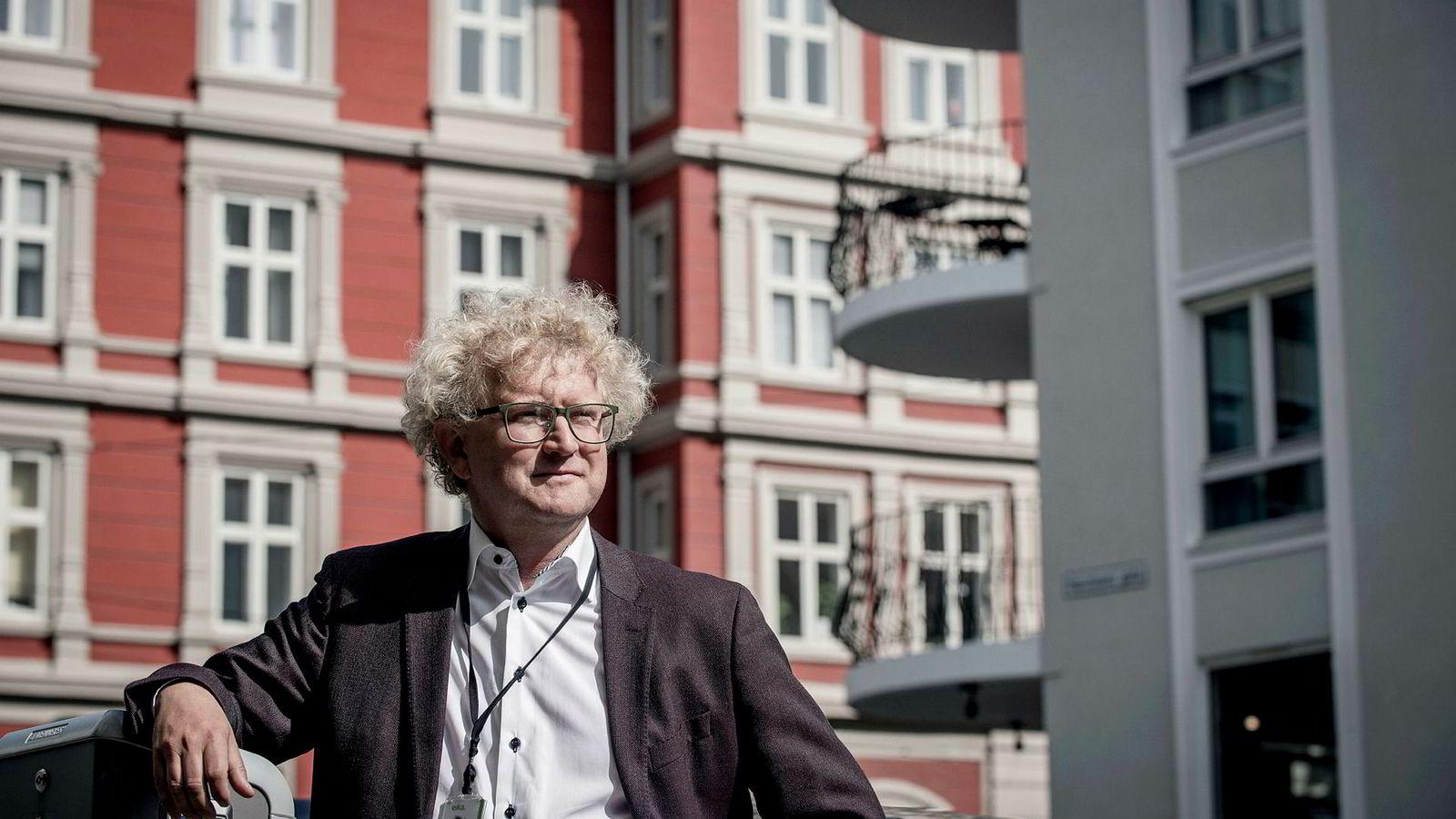 Sjeføkonom Jan Ludvig Andreassen i Eika Gruppen skilte seg ut blant økonomene som la frem prognoser for boligmarkedet i dag.