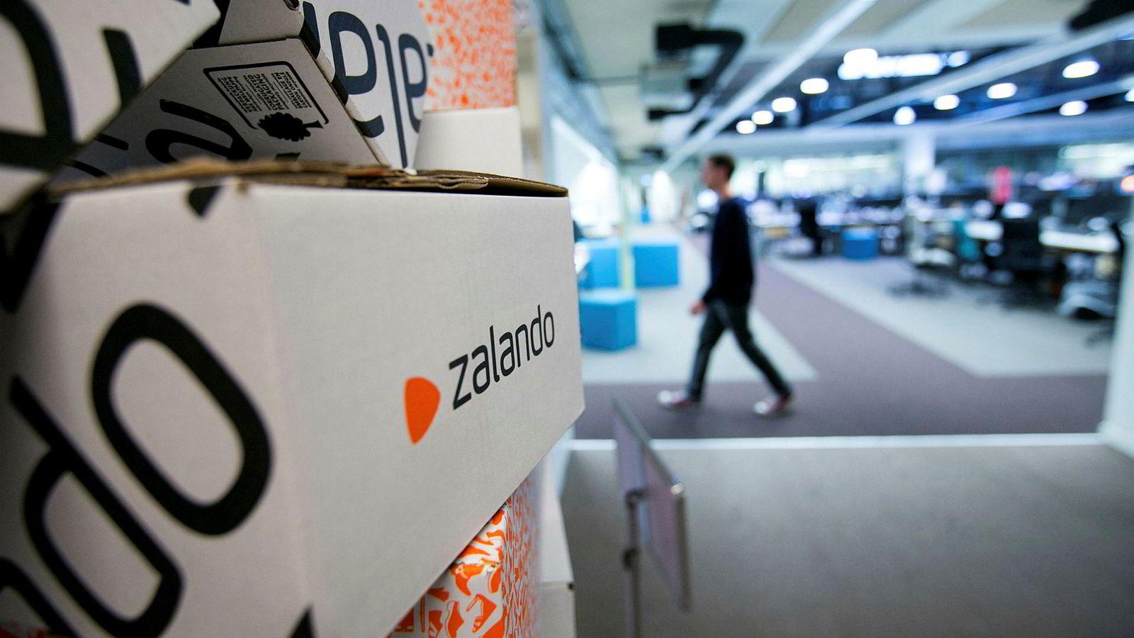 Tyske Zalando har bakt inn alle ekstra kostnader for sine klær og sko – som frakt, retur, moms og tollgebyr- i prisene. Zalando er nå Norges nest største nettbutikk.