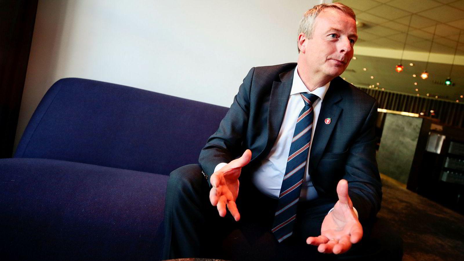 Frp-nestleder Terje Søviknes mener velgerne sitter på gjerdet.