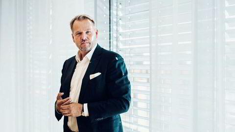 Ole Ertvaag er trolig Norges største bilsamler. Gjennom investeringer i private equity, biler og eiendom er Ertvaag god for over en halv milliard kroner. Foto: Tommy Ellingsen
