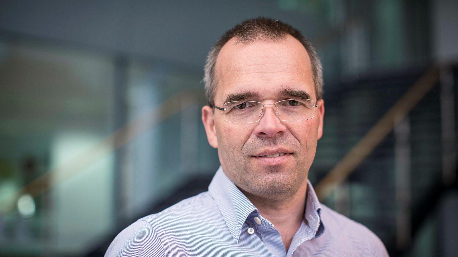 Professor Ragnar Torvik ved NTNU tror politikerne fremover tvinges til å redusere økningen i oljepengebruken.