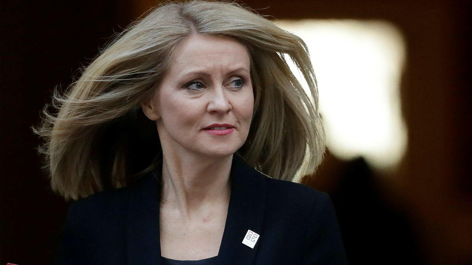 Arbeidsminister Esther McVey trekker seg fra regjeringen.