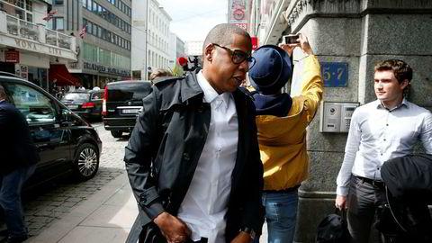 Jay Z kjøpte den norskutviklede strømmetjenesten Tidal i 2015. Her er han på vei inn i selskapets daværende Oslo-kontor samme år.