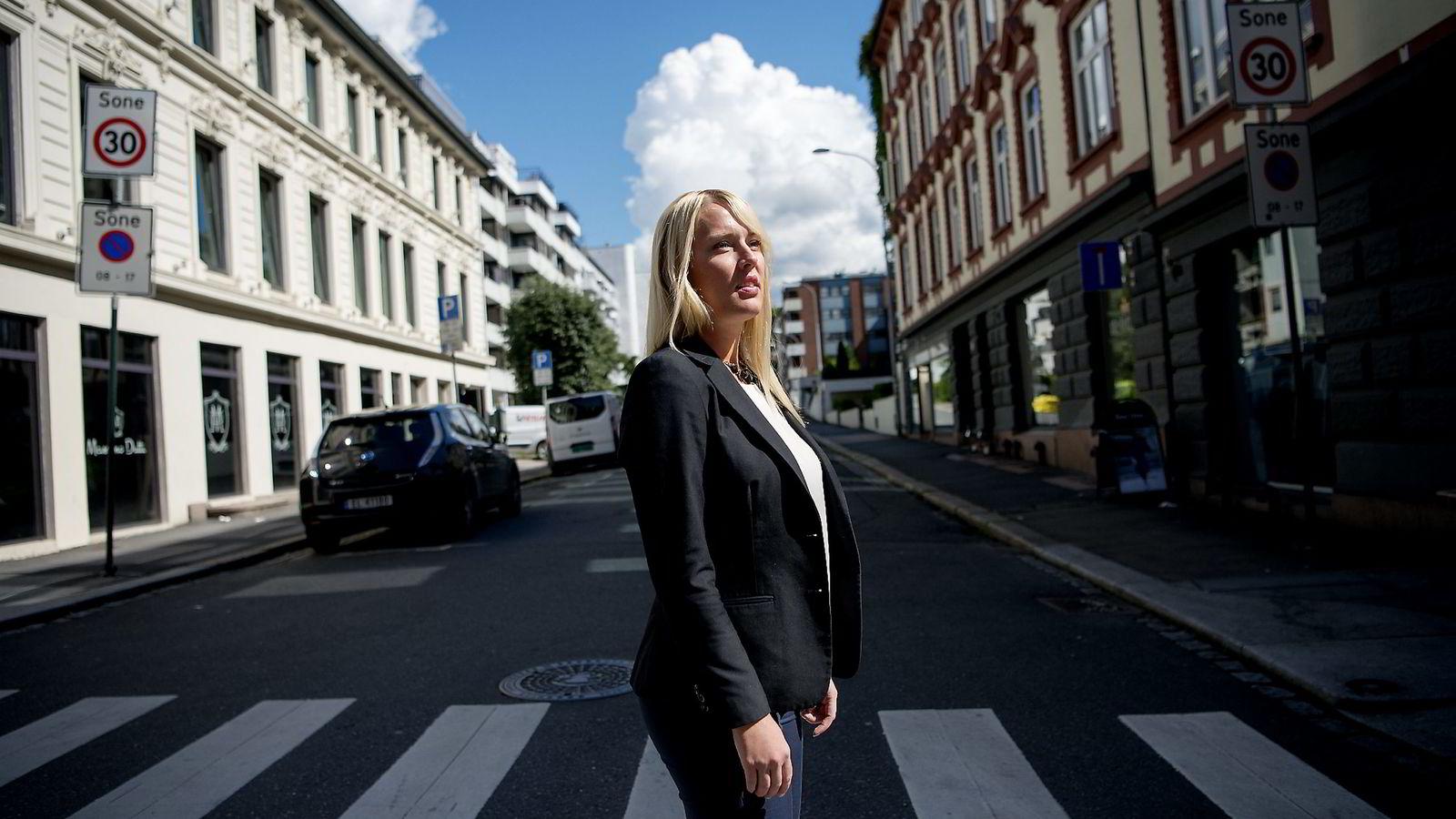 Samfunnsøkonom Mari Mamre i Ny Analyse sier boligprispresset brer seg utover Oslo.