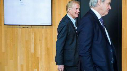 På en luftfartskonferanse i Bodø i februar var Norwegian-sjef Bjørn Kjos (foran) og reagerte på Avinors pengebruk. Avinor-sjef Dag Falk-Petersen må tåle kritikk for planene om ny sjømatterminal også.
