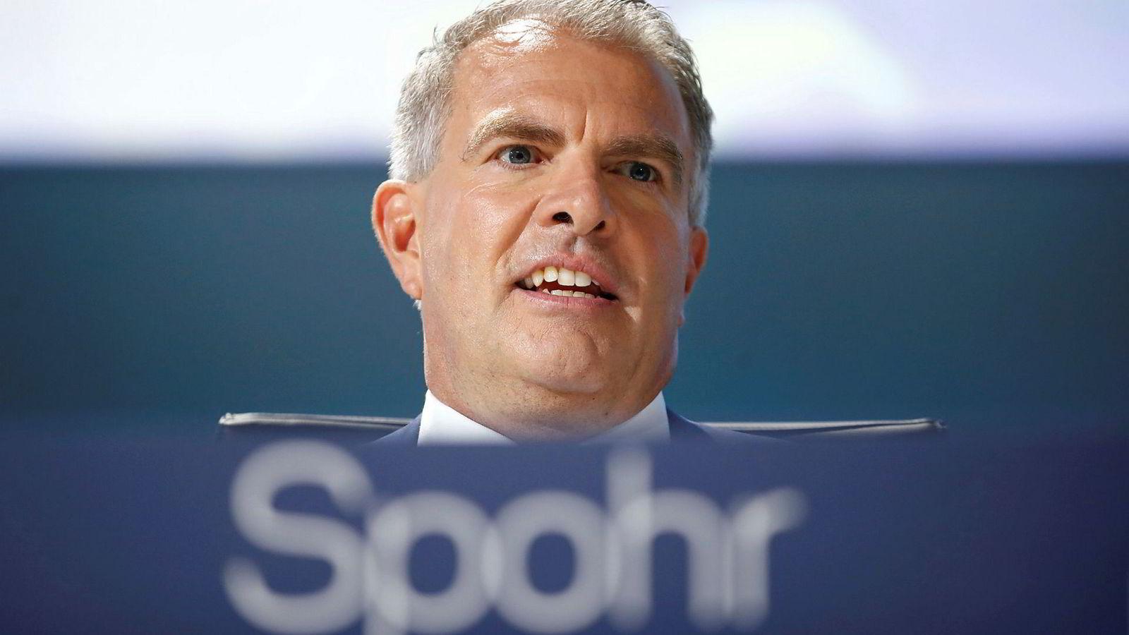 Carsten Spohr, administrerende direktør i Lufthansa, ser ingen tegn til at folk flyr mindre.