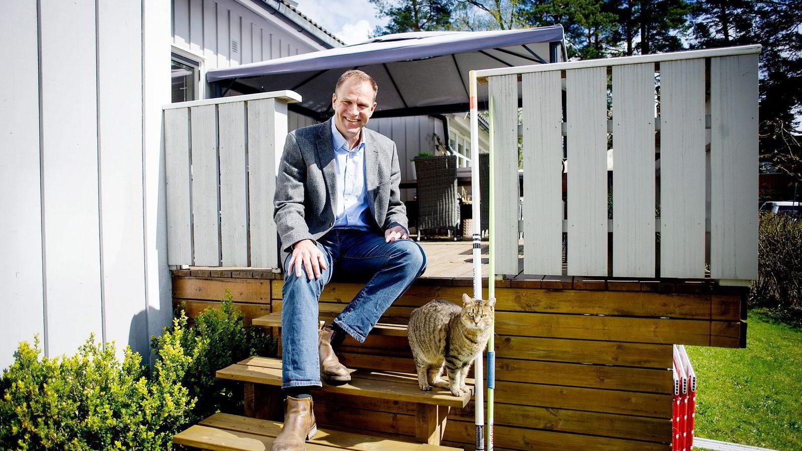 Vegard Andre Rooth på Nordstrand i Oslo har byttet bank fra DNB til Danske Bank, og ble lokket med lavere rente. Bankene er blitt flinkere til å prise kundenes utlån ulikt.