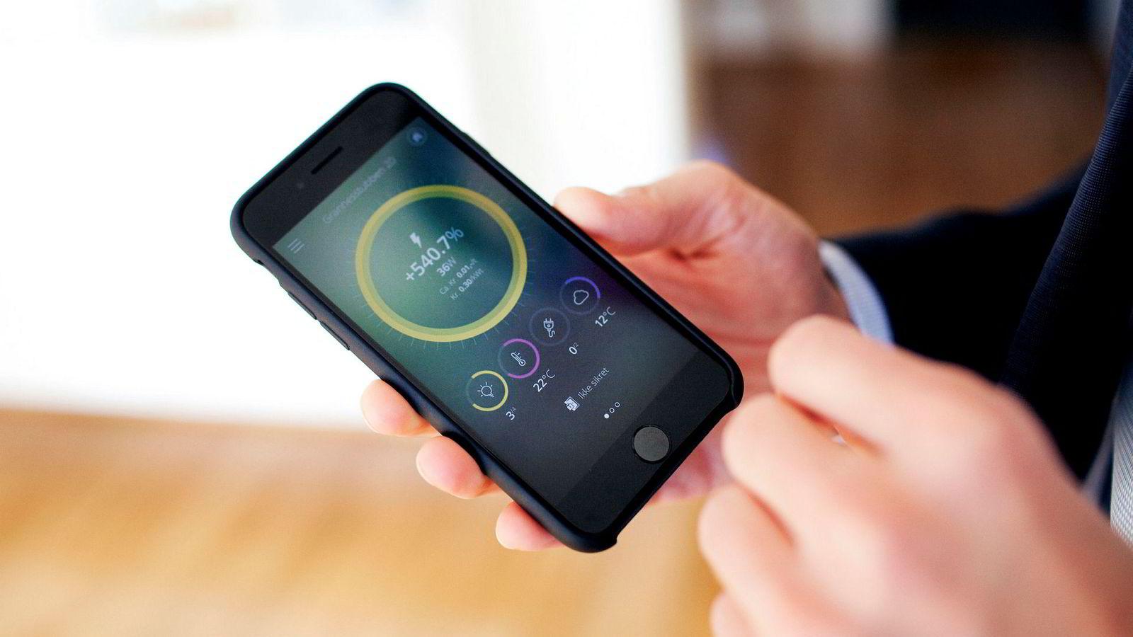 Flere leverandører tilbyr smarthusteknologi som lar deg styre flere av hjemmets funksjoner vi mobilapp.