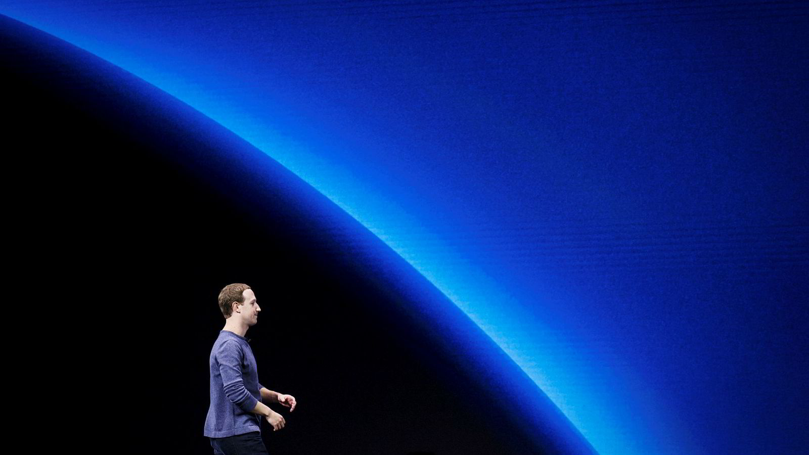 Facebook-grunnlegger Mark Zuckerberg har vært hardt presset de siste årene. Nå varsler han endringer.