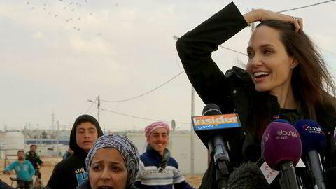 Angelina Jolie er spesialutsending for FNs høykommissær for flyktninger. Her er hun i flyktningleiren Zaatari i Jordan.