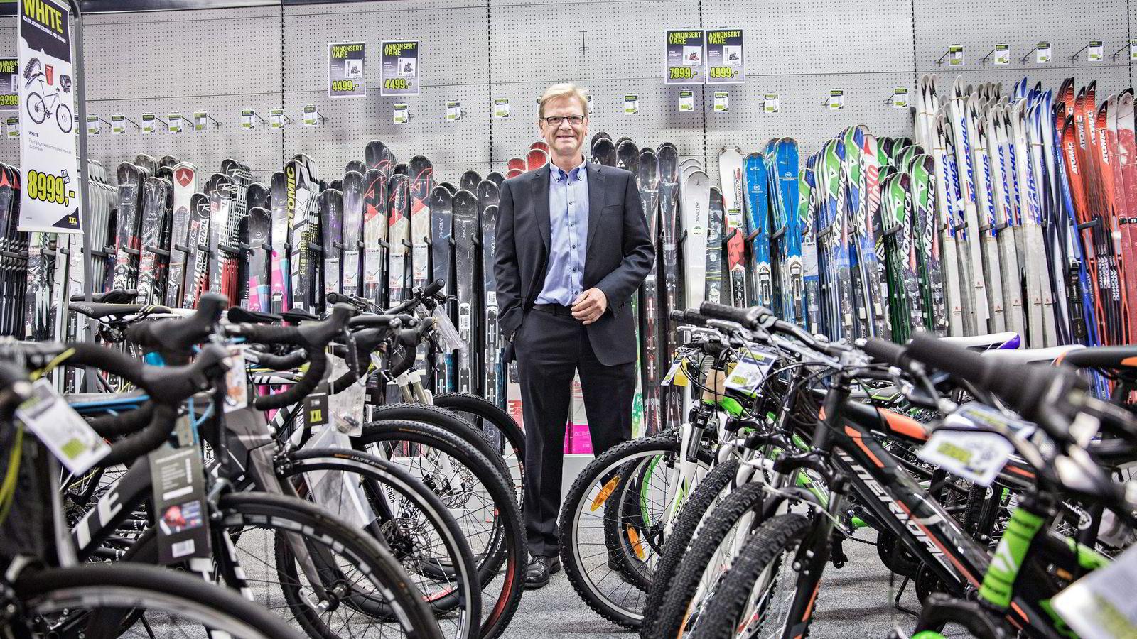 XXL blir utfordret av utenlandske nettaktører på sportsmarkedet, som svenske Sportamore. Fredrik Steenbuch er ikke spesielt bekymret.               Foto: Aleksander Nordahl