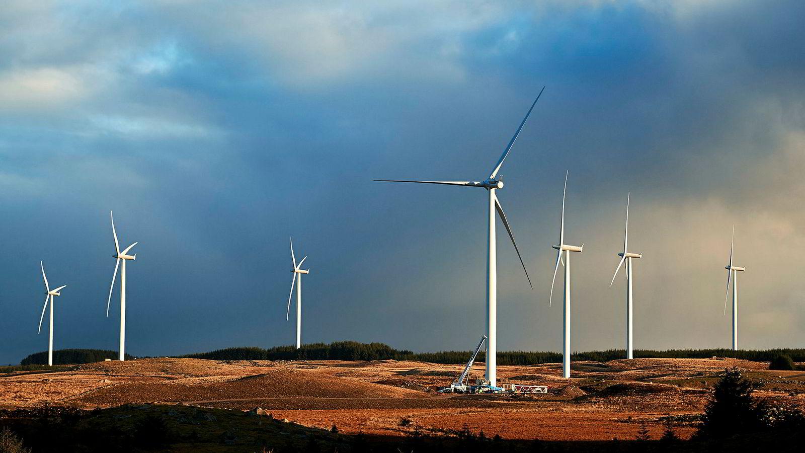 At norsk vindkraft skal gi reduksjon av utslipp fra kullkraftverk i Tyskland og Polen medfører nok ikke riktighet. Her fra Varhaug på Høg-Jæren.