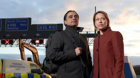 Menneskelevninger blir funnet under utgravingen av en ny motorvei. Sunny og Cassie blir satt på saken.