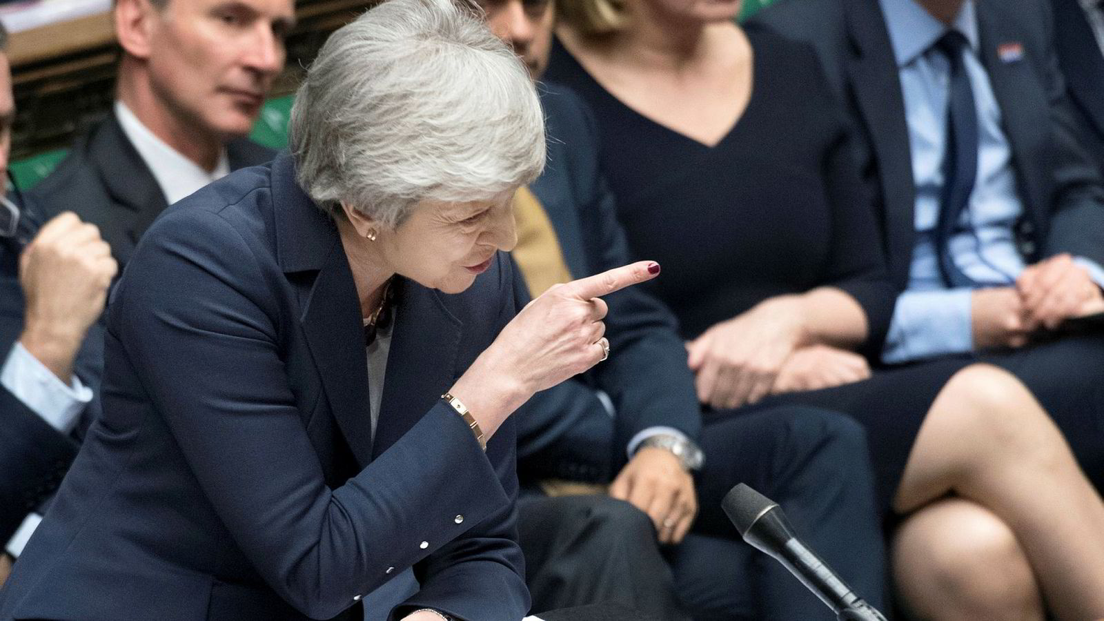 Den kursen som statsminister Theresa May har staket ut, går rett gjennom det farligste farvannet.
