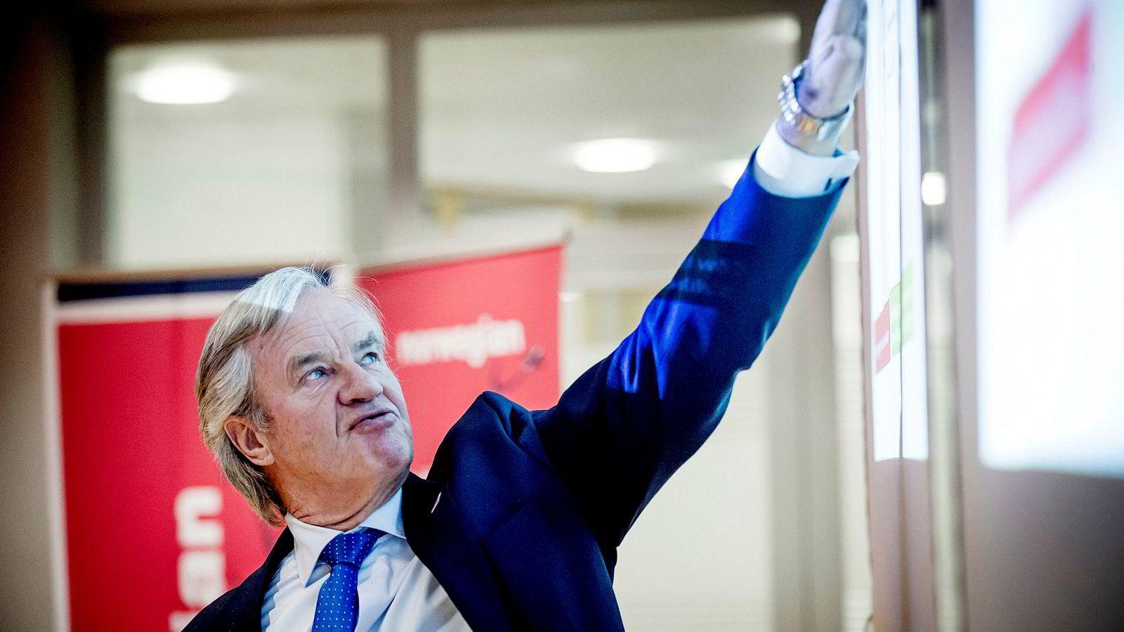 Norwegian-sjef Bjørn Kjos kan komme til å gi slipp på aksjene selv om han har sagt at han ikke ønsker å selge.