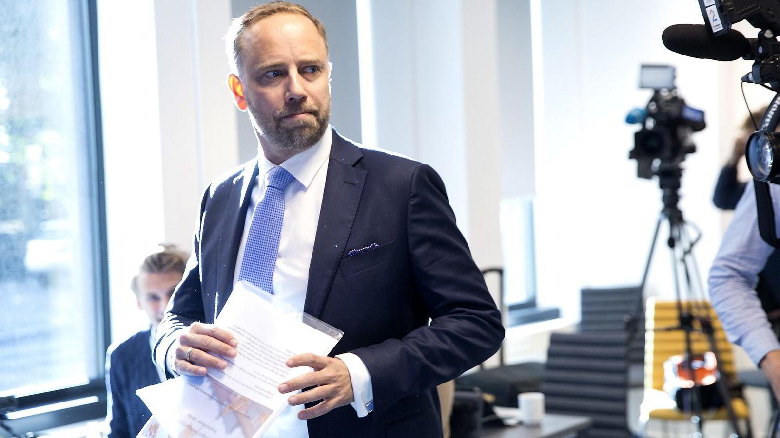 Administrerende direktør Christian Vammervold Dreyer i Eiendom Norge presenterer Eiendom Norges                boligprisstatistikk for september 2016.               Foto: Terje Bendiksby /