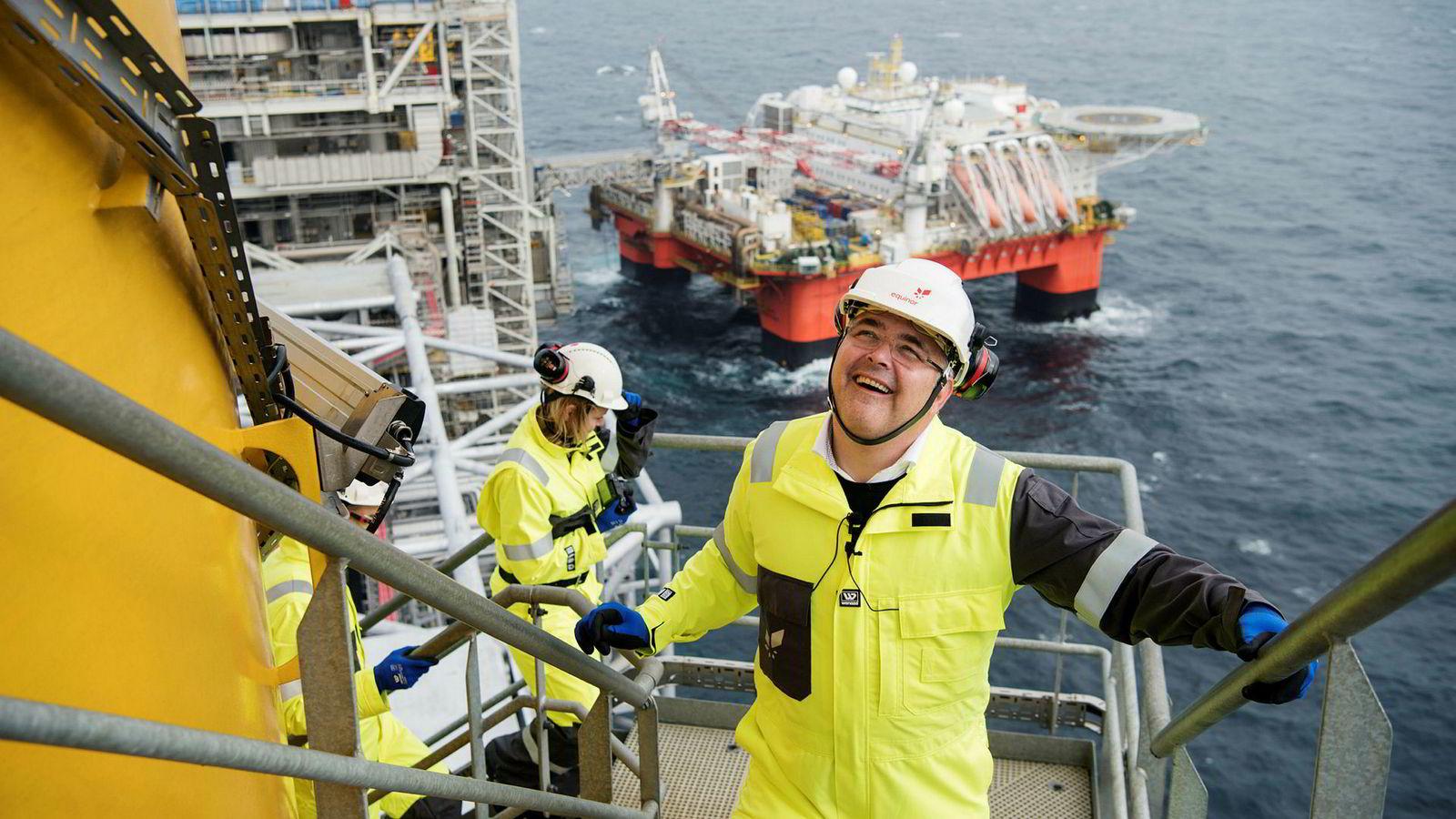 Olje- og energiminister Kjell-Børge Freiberg fikk endelig besøke en oljeplattform. Tirsdag var han på