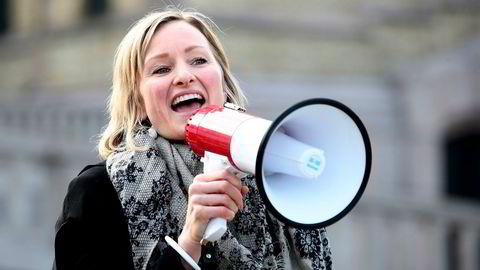 363 lærere forventer i et opprop at Oslos byråd for oppvekst og kunnskap, Inga Marte Thorkildsen, rydder opp i ledelseskulturen i Oslo-skolen. På bildet er det Thorkildsen selv som roper.