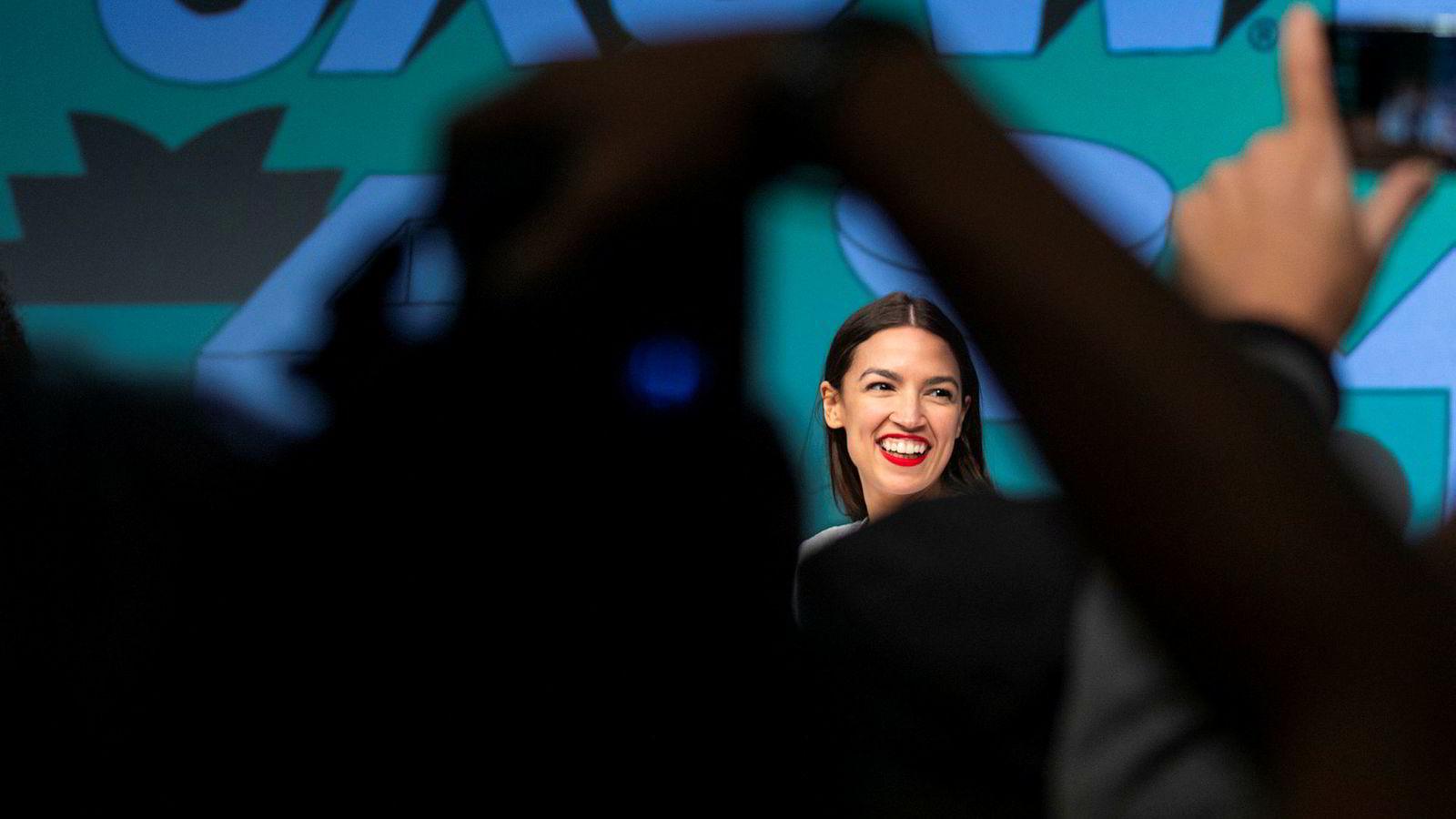 Kongressrepresentant Alexandria Ocasio-Cortez er på få måneder blitt en av de mest omtalte politikerne i USA og distanserer seg både bra pengeeliten og etablerte politikere. Lørdag kom hun til South by Southwest i Austin.