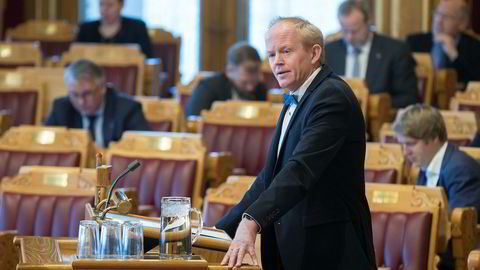 SV og Lars Haltbrekken vil ha ny klimamelding med konkrete tiltak.
