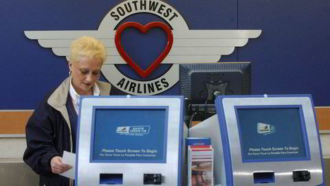 Southwest Airlines har satt to Boeing 737 Ng på bakken etter funn av sprekker.