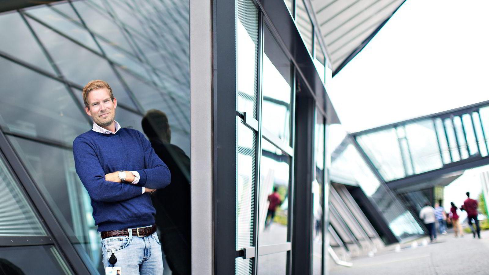 TESTER. Lars Erik Jensen eksperimenterer med nye måter å kjøre reklamekampanjer på i Telenor. Foto:
