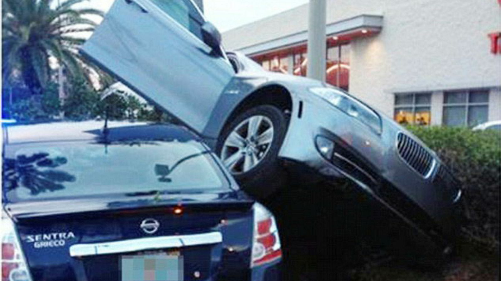 Kan vi stole på dingsene våre? I 2014 påstod en BMW eier at parkeringsassistenten i blien forårsaket denne parkeringen.