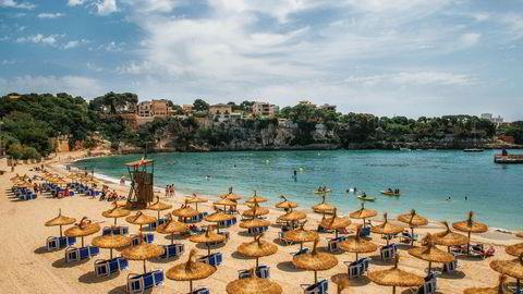 Mallorca, her fra stranden i Porto Cristo, er blant sommerdestinasjonene som opplever redusert salg fra Norge.