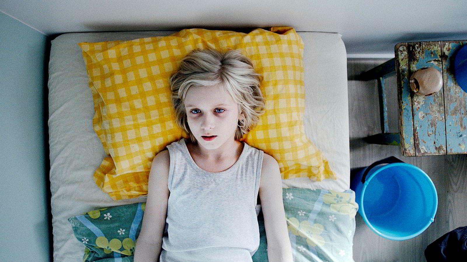 Leonard Valestrand Eike spiller Lars i «ZombieLars» på NRK Super.