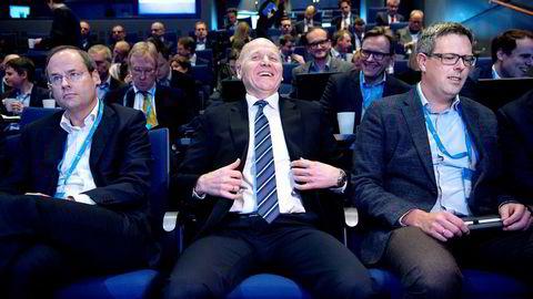 Både Telenor-sjef Sigve Brekke (i midten) og avtroppende Dtac-sjef Lars-Åke Norling (til venstre) kunne glede seg over høyere godtgjørelser i fjor. Her sammen med tidligere sjef for Telenor Digital Business Jon Gravråk.