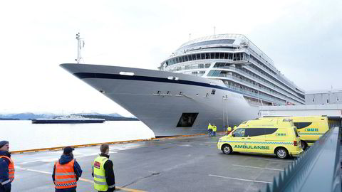 Cruiseskipet «Viking Sky» seilte inn i en storm der man tok sjansen på at det ikke ville bli noen tekniske problemer og derfor heller ikke behøvde å tenke på evakuering og redning av passasjerer og mannskap.
