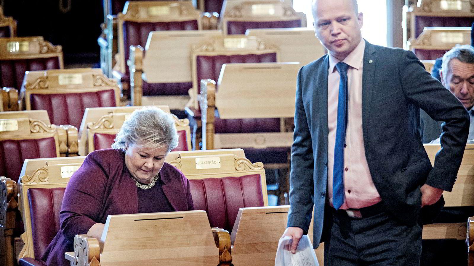 Senterpartiet-leder Trygve Slagsvold Vedum hadde lest noe om kuer i statsbudsjettet – og var rystet. Onsdag tok han det opp med statsminister Erna Solberg i spontanspørretimen.