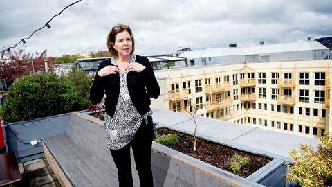 Likestillingsombud Hanne Bjurstrøm vil kreve at bedrifter rapporterer om kjønnsforskjeller i lønn på ulike stillingsnivåer.