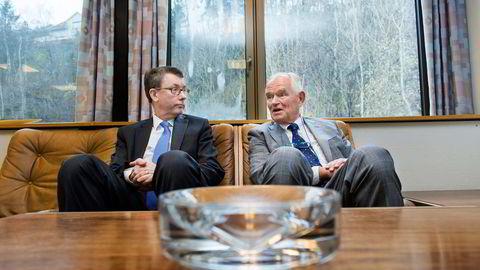 PÅ NYE HENDER. Trond Mohn (til høyre) solgte familiebedriften Frank Mohn as til Alfa Laval. Her da han møtte Alfa Lavals konsernsjef Lars Renström i forbindelse med salget. Foto: