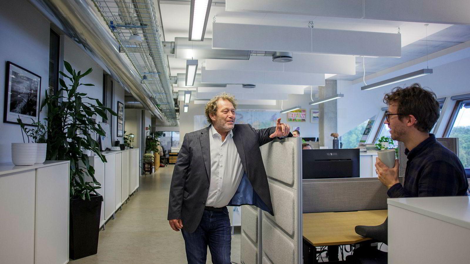 Bellona-leder Frederic Hauge er klar for å gi gass etter en turbulent start på uken. Her med rådgiver Olav Øye.