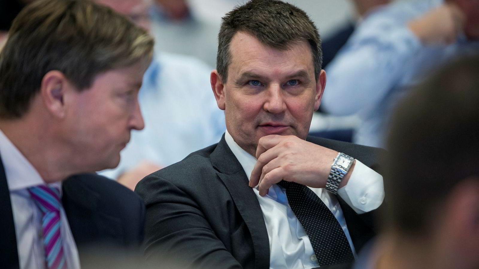 Christian Tybring-Gjedde (t.v.) og justisminister Tor Mikkel Wara (Frp), her under nominasjonsmøte i Oslo Frp.