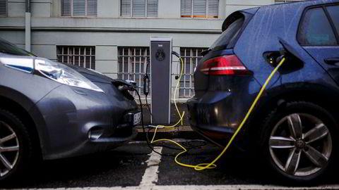 Det er usikkert om det fortsatt blir momsfritak på elbilkjøp.