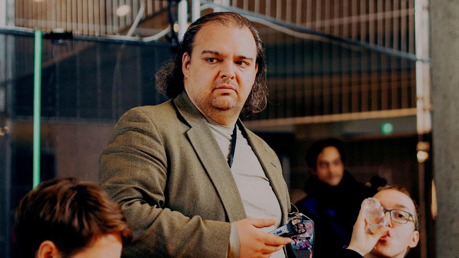 Vinay Gupta, en av grunnleggerne av kryptovalutaen ethereum, sier folk i den rike del av verden må innse at de ikke kan fortsette å leve som i dag.