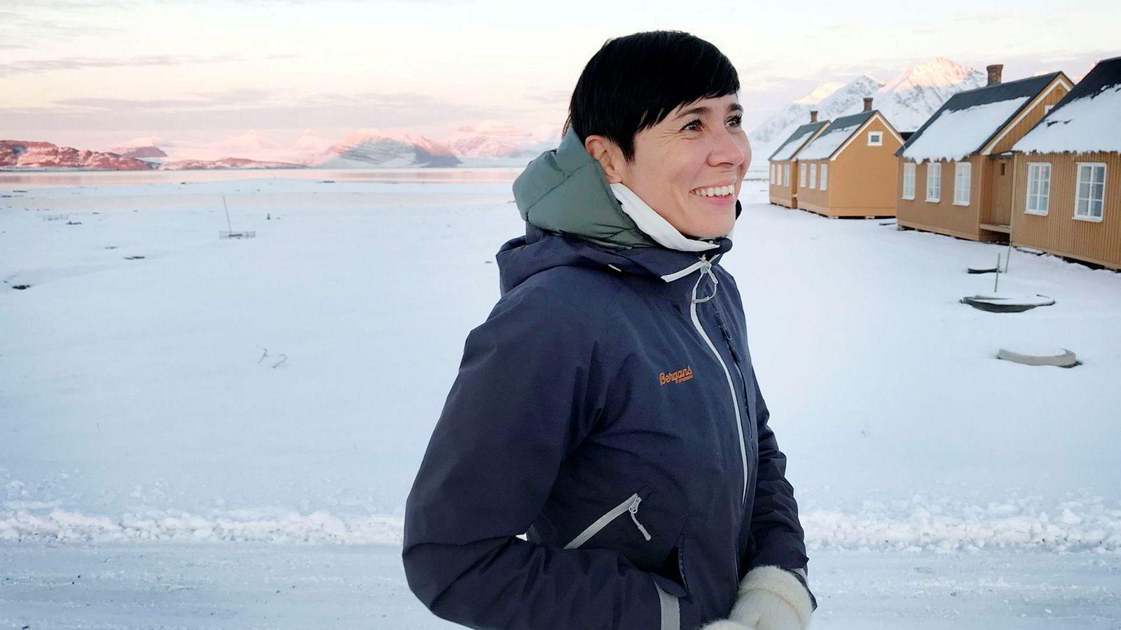 Utenriksminister Ine Eriksen Søreide var denne uken vert for blant annet klimaforskere, investorer og bankfolk på symposium i Ny-Ålesund på Svalbard om klima og finansiell risiko.