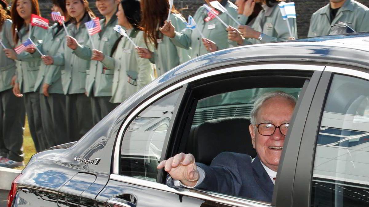Warren Buffett besøkte Japan i fjor høst. Men det er ikke bare der den legendariske investoren er stor.