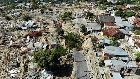 Enorme ødeleggelser etter det første jordskjelvet på Sulawesi. Nå har et nytt jordskjelv rammet øya Sumba.