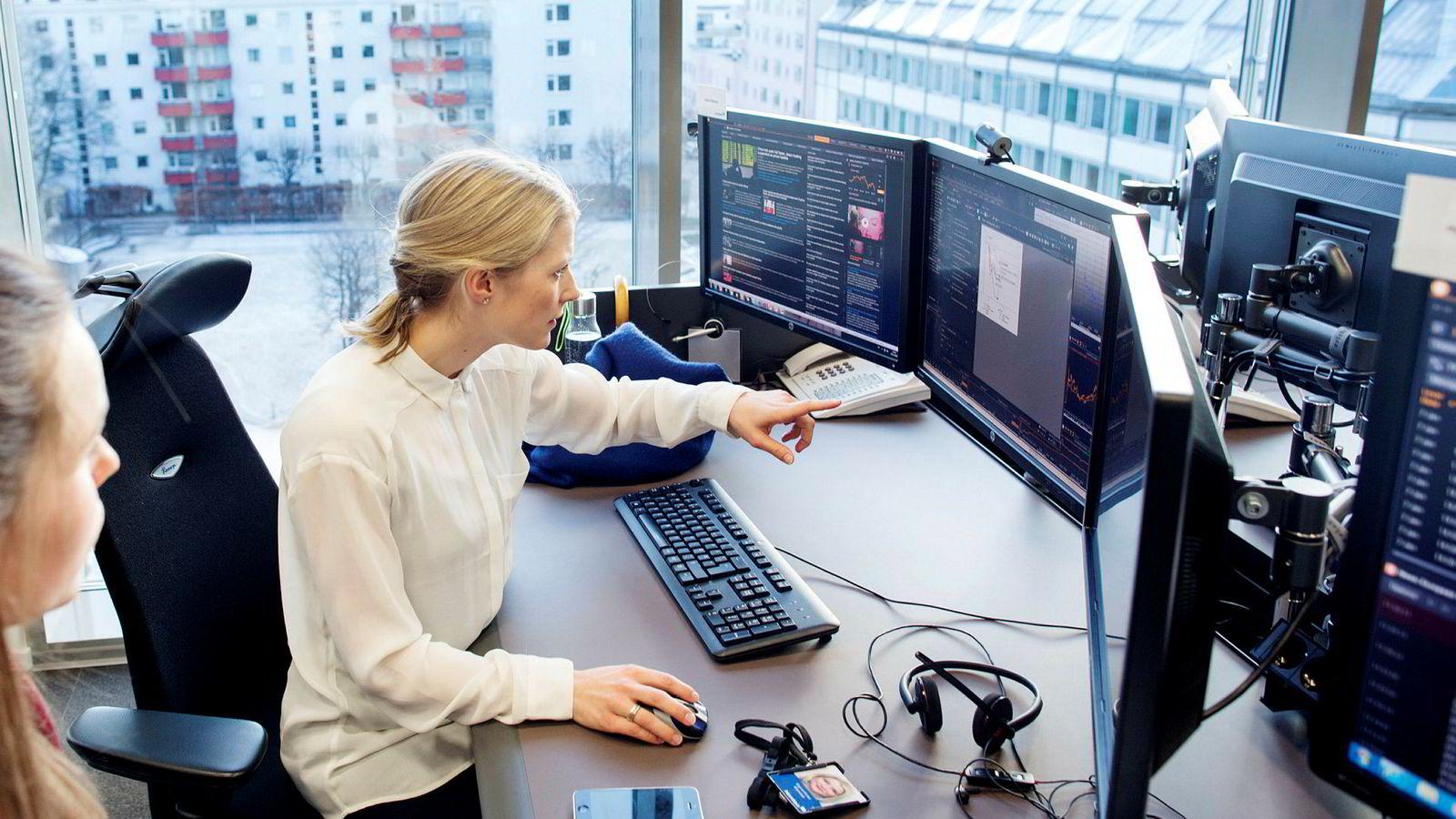 Sterke amerikanske selskapstall møtes av en miks av negative nyheter ellers i verden, mener aksjestrateg Sigrid Wilter Slørstad i Nordea.