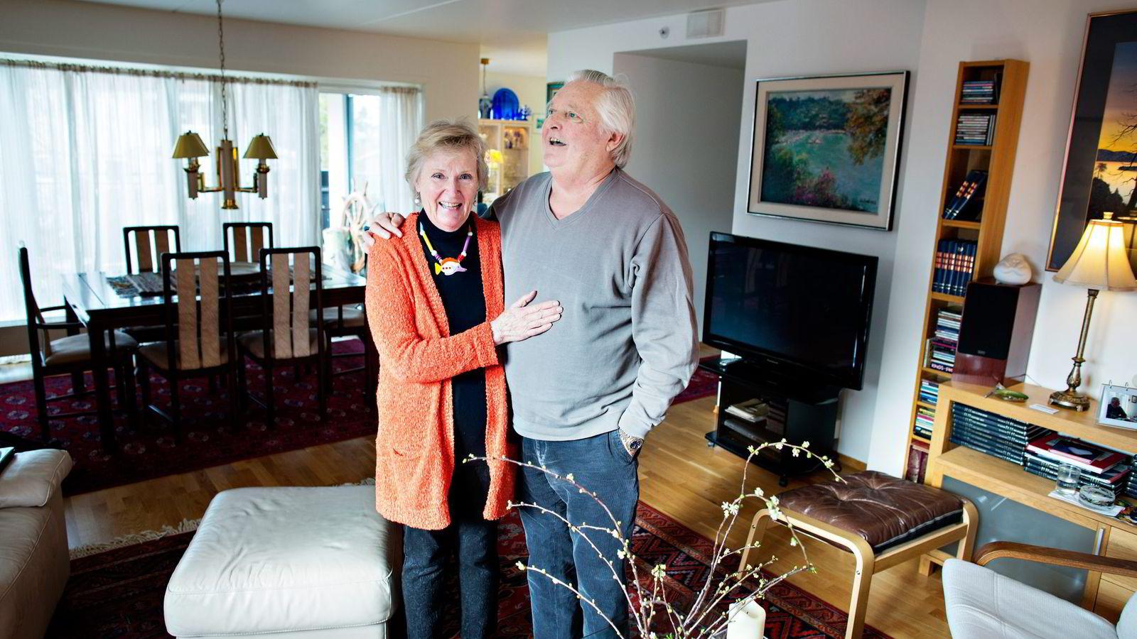 Else-Liv og Kjell Skaar får 9000 kroner utbetalt i månedene livet ut gjennom et seniorlån. De er veldig fornøyd med muligheten til å få ekstra penger ut av boligen. Foto: